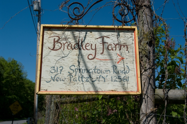 Bradley Farm sign